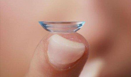 7 cuidados que as pessoas devem ter ao usar lentes de contato